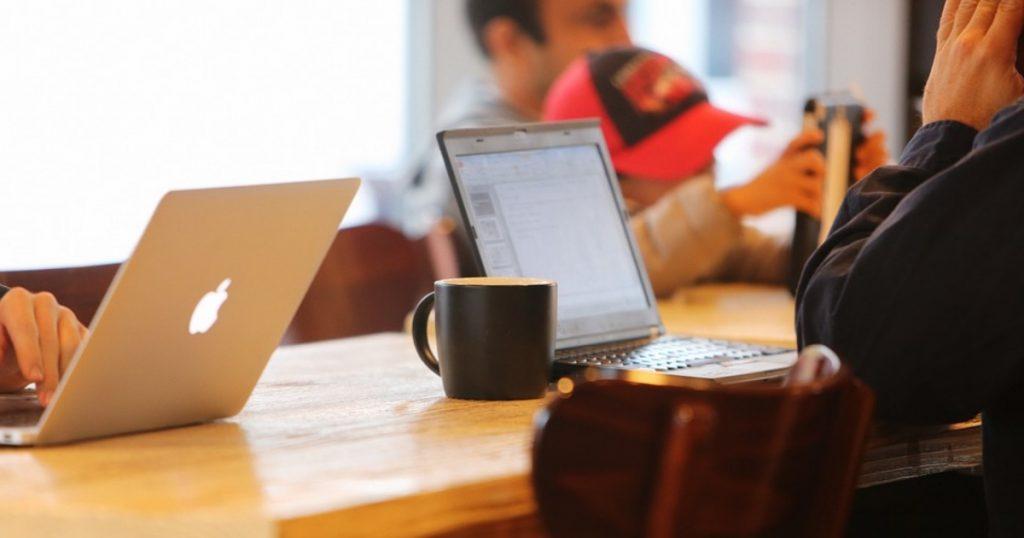 Zamestnanci v malých spoločnostiach