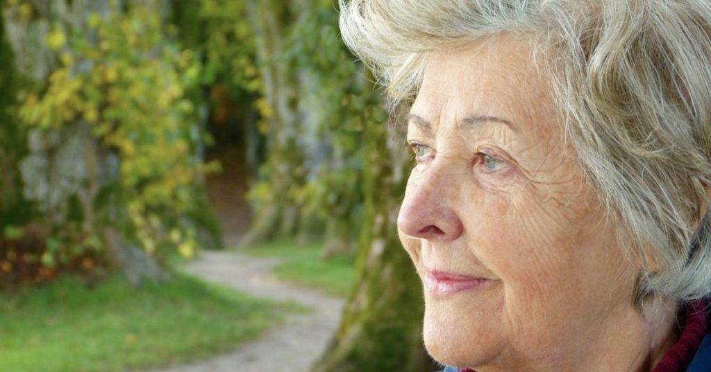 Ukončenie pracovného pomeru so zamestnancom nad 65 rokov
