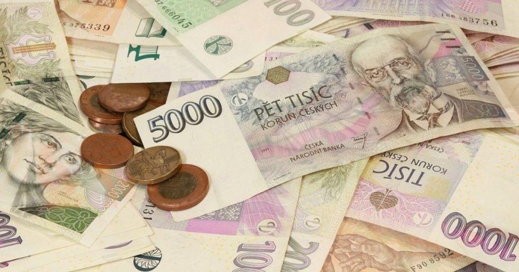 České banky sa topia v úsporách domácností, vklady dosiahli rekord